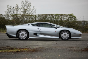 400% rise in value in 4 years means that we will now see two Jaguar XJ220's at the same May auction.