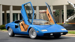 Lamborghini Countach sells for $1,258,000 (GB£720,000)